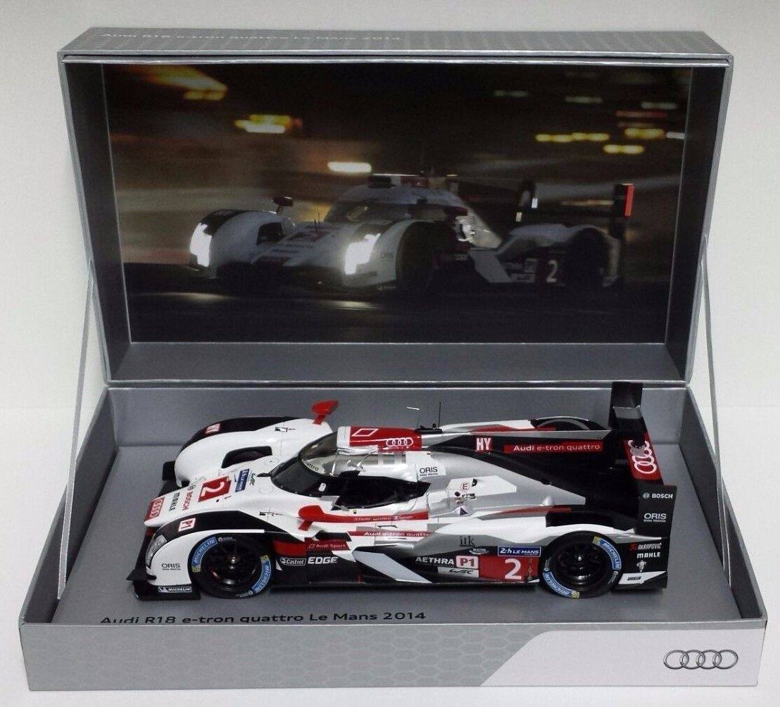 SPARK 1/18 AUDI R18 E-TRON QUATTRO #2 WINNER 24H LEMANS 2014 AUDI COLLECTION BOX