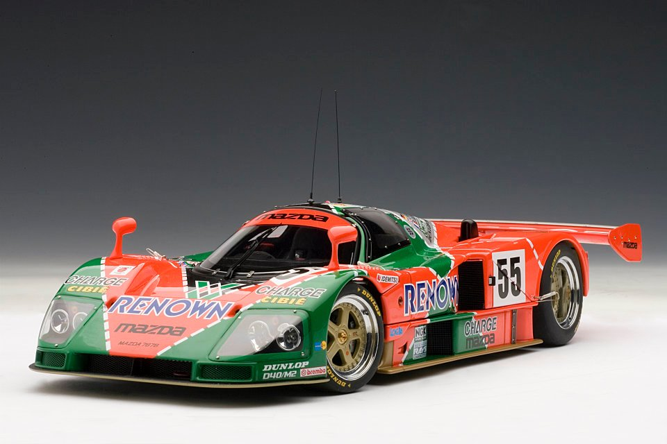 AUTOART 1:18 MAZDA 787B WINNER LEMANS 1991 EDIZIONE 20TH ANNIVERSARY + SHOWCASE