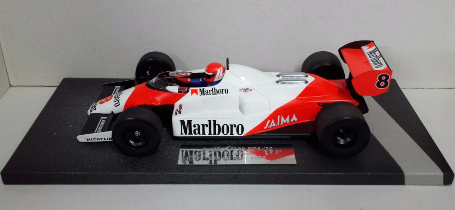 MINICHAMPS 1/18 NIKI LAUDA MCLAREN FORD MP4/1C GP USA 1983 WITH DECAL TOBACCO