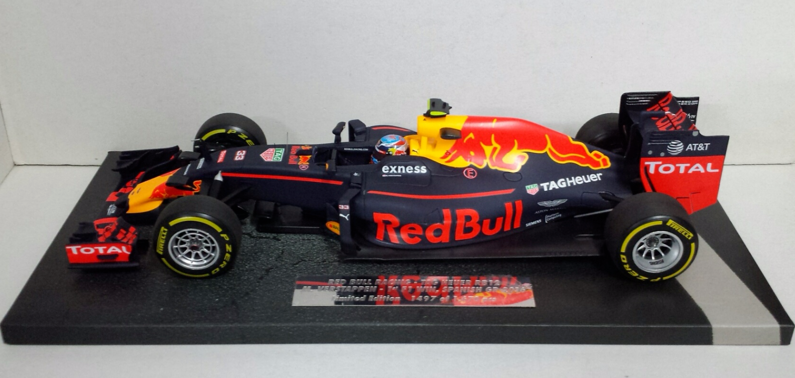 MINICHAMPS MAX VERSTAPPEN 1/18 RED BULL RACING F1 RB12 WINNER SPANISH GP 2016