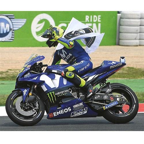 MINICHAMPS VALENTINO ROSSI 1/12 YAMAHA YZR M1 MOVISTAR MOTOGP CATALUNYA 2018 CON FIGURA E BANDIERA NEW