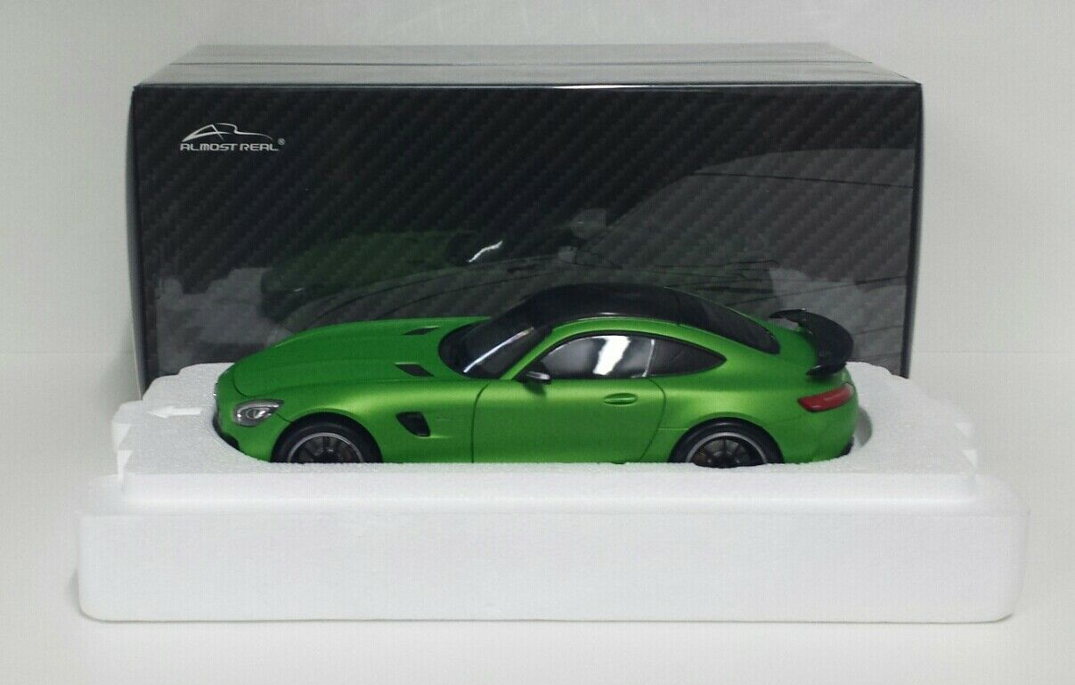 ALMOST REAL 1/18 MERCEDES AMG GTR 2017 GREEN MODELLINO DIE CAST METALLO APRIBILE