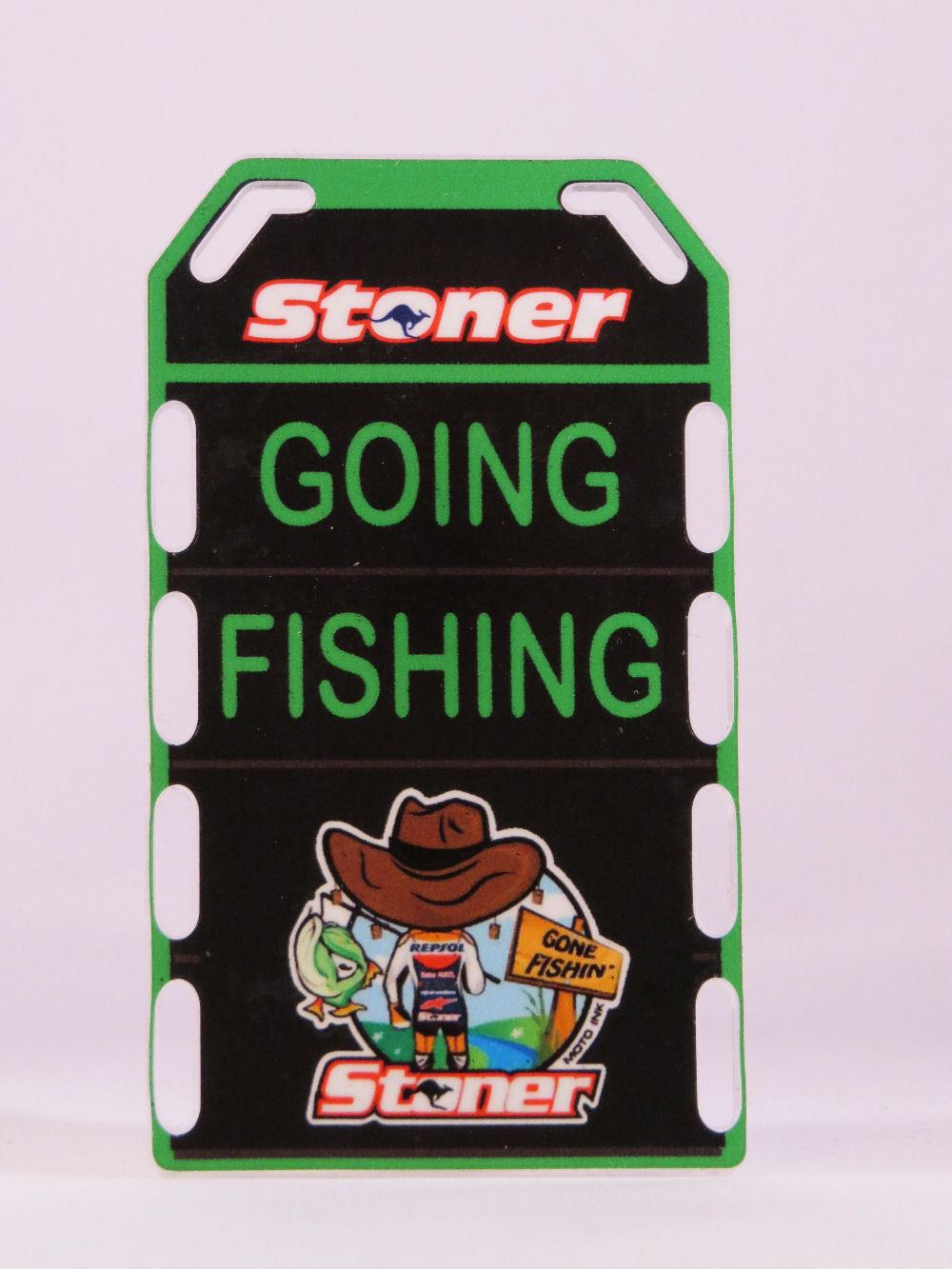 MINICHAMPS CASEY STONER PITBOARDS BOX 2012 GOING FISHING MOTOGP SCALA 1/12 NEW