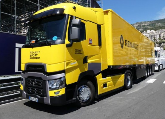 Truck: CAMION RENAULT T520 HIGH TRUCK CAR TRANSPORTER F1 TEAM 2016 ELIGOR 1/43