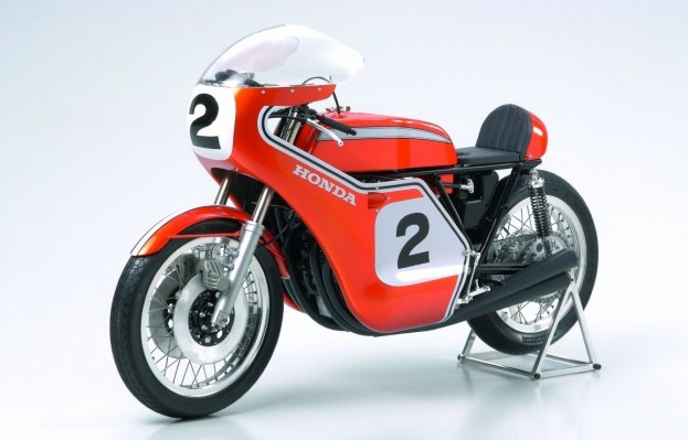 TAMIYA 1-6 HONDA CB750 RACING DICK MANN WINNER DAYTONA 1970 COLLECTORS CLUB  7