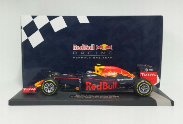 minichamps-max-verstappen-1-18-red-bull-racing-f1-rb12-winner-spanish-gp-2016-1