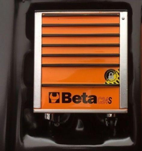 Accessories true scale miniatures 1 18 tsm accessories for Garage mobile per auto