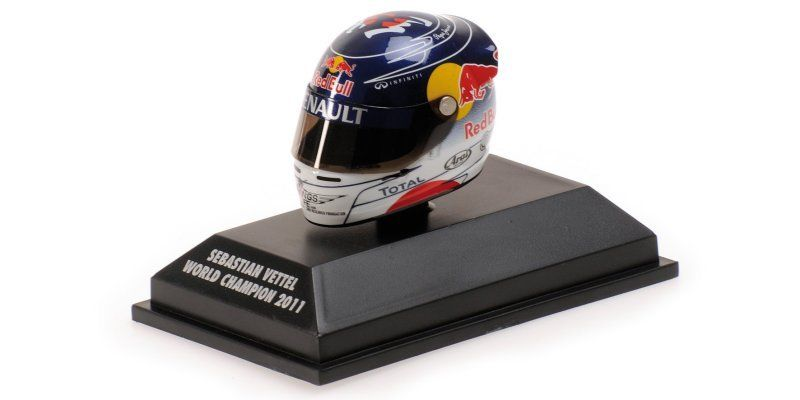 MINICHAMPS SEBASTIAN VETTEL 1/8 - ARAI HELMET - SUZUKA 2011 WORLD CHAMPION NEW